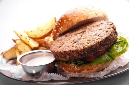 לניס בר - המבורגר טבעוני