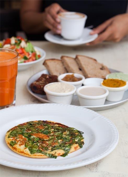 ארוחת בוקר טבעונית במשק ברזילי