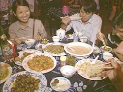 תמונה זו הופיעה באתר מטיילים תחת הכותרת ארוחה סינית כפרית